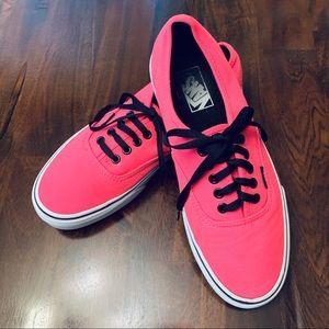 💕ADORABLE HOT PINK VANS 💕